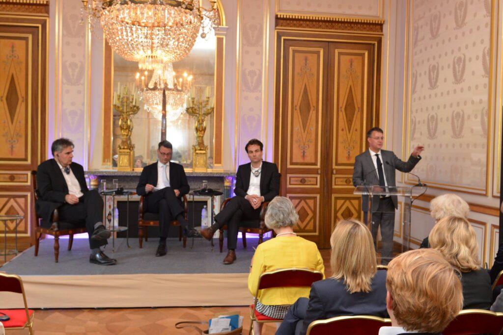 Lunch-Debatte Paris
