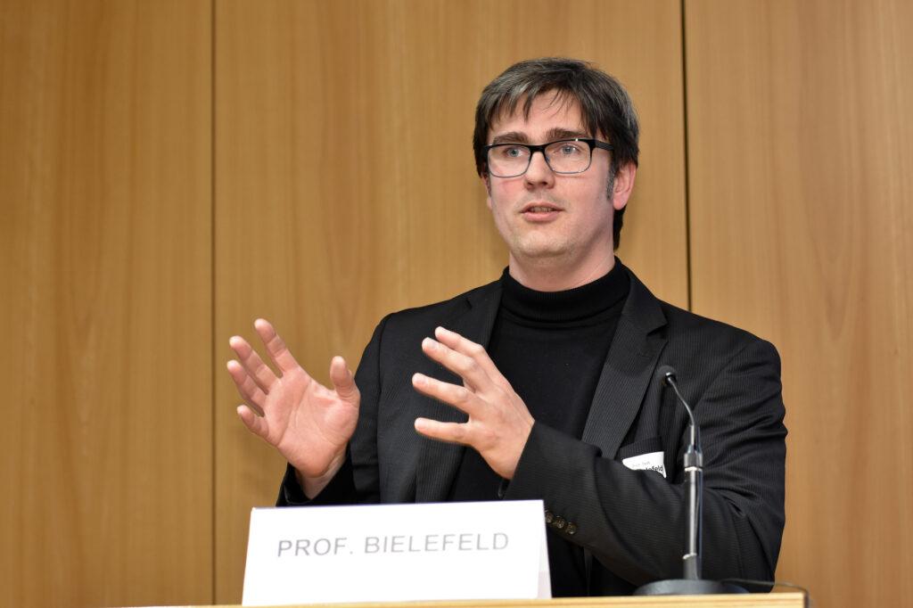 Prof. Bert Bielefeld, bert bielefeld & partner