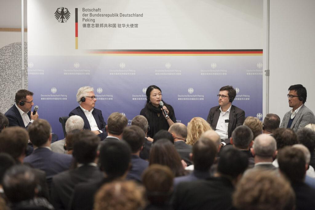 V.l.n.r.: Rainer Traube, Jürgen Engel, Xu Tiantian, Jens Kump und Yosuke Hayano