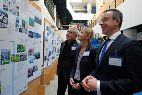 v.l.n.r.: Prof. Ralf Niebergall, Gabriele Seitz und Dr. Tillman Prinz