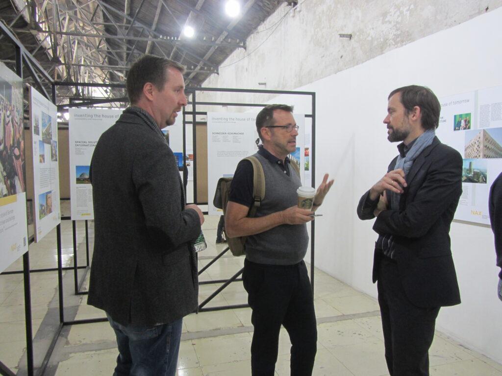 V.l.n.r.: Daniel Brüser (Firma JUNG), Rainer Traube (Deustche Welle) und Tobias Wallisser (LAVA)
