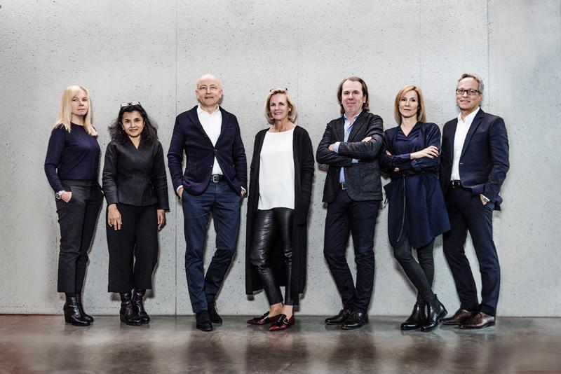 v.l.n.r.: Angela Kreutz, Vandana Shah, Dieter Blocher, Jutta Blocher,  Jürgen Gaiser, Anja Pangerl, Wolfgang Mairinger