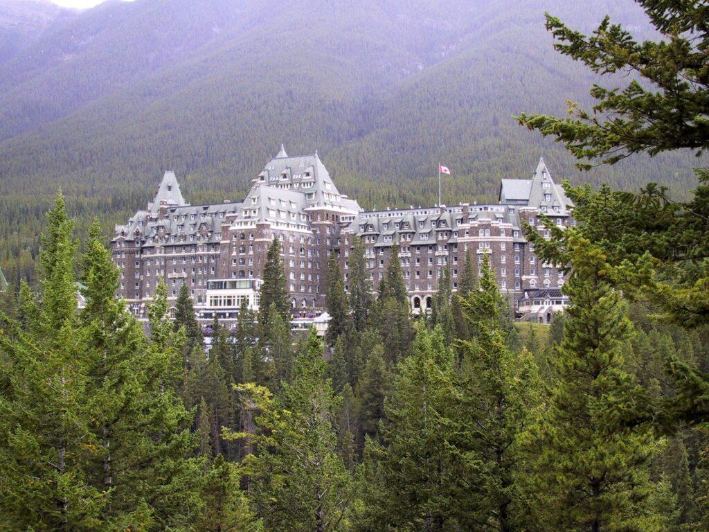 BU: Ein Paradebeispiel für Hotels in Kanada: Das Alberta Hotel im kanadischen Banff.