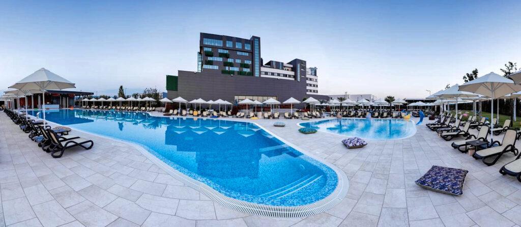 Vor allem an der Mittelmeerküste und in den Metropolen boomt die Hotelbranche.