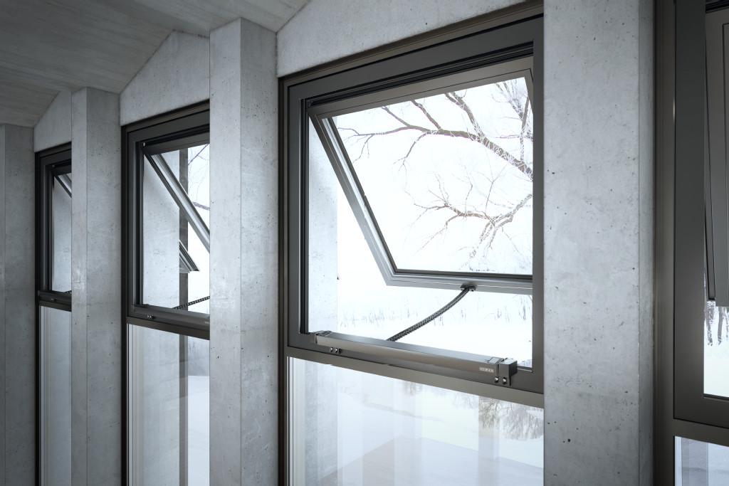 Mit GEZE Fensterantrieben automatisierte Fenster in einer Sporthalle