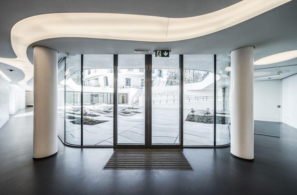 KADO Karim Wohnanlage in Riga, Lettland, mit GEZE Gebäudetechnik