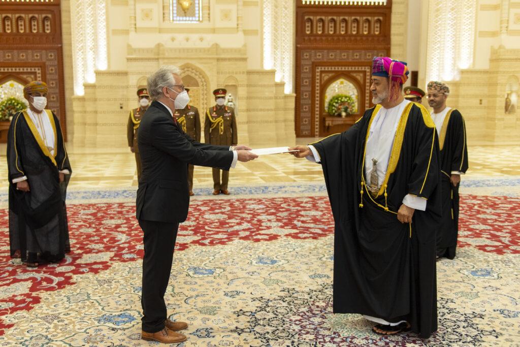 Botschafter Schneider bei der Übergabe seiner Beglaubigungsschreiben an Seine Majestät Sultan Haitham bin Tarik